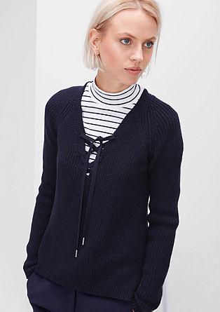 Pleten pulover z vezalkami