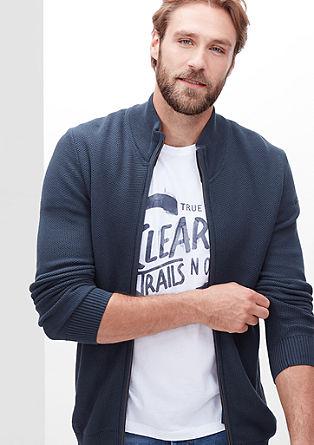 Pletena jakna vzorčasto teksturo