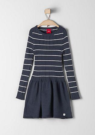 Pletena obleka z rebrastim detajlom