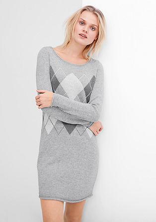 Pletena obleka z rombastim vzorcem