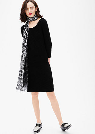 Pletena obleka z valovito teksturo