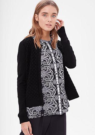 Pletený kabátek se šupinovým vzorem