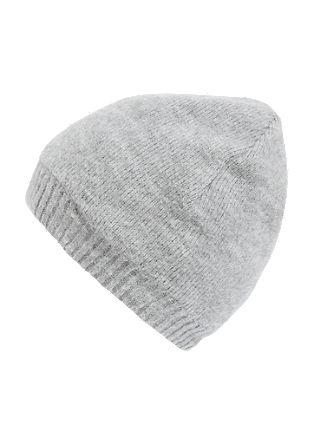 Podložena, gosto pletena kapa