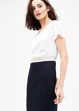 Poslovna obleka iz kombinacije materialov