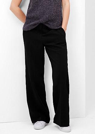 Poslovne hlače s širokimi hlačnicami