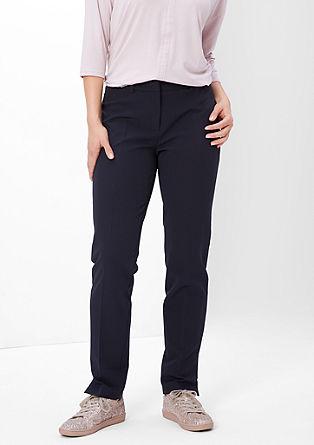Poslovne hlače z gubami v pasu