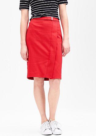 Pouzdrová sukně se zavinovacím vzhledem