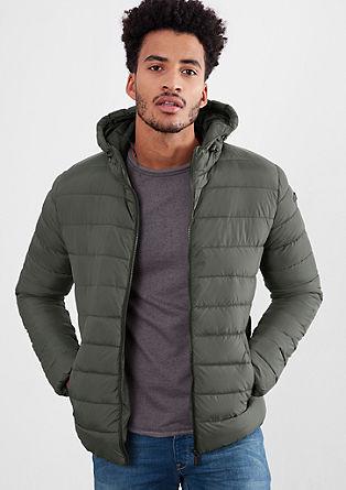 Prešita jakna s kontrastno kapuco