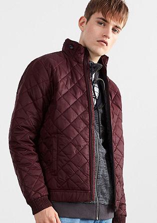 Prešita jakna s skrito kapuco