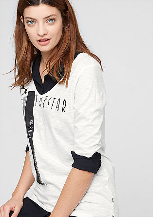 Print-Shirt mit tiefem V-Ausschnitt
