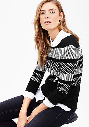 Pullover in Black-and-White