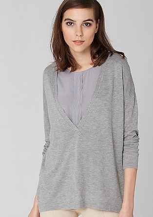 Pulover z verižnim elementom