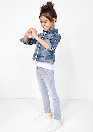 Raztegljiva jeans jakna z umetniškimi dodatki