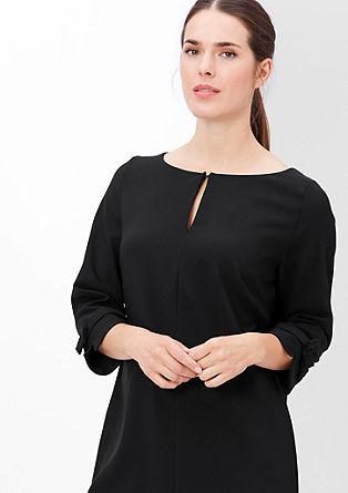 Raztegljiva obleka s pentljico