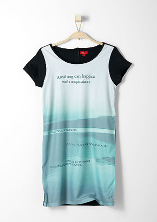 Raztegljiva obleka s sprednjim delom v videzu bluze
