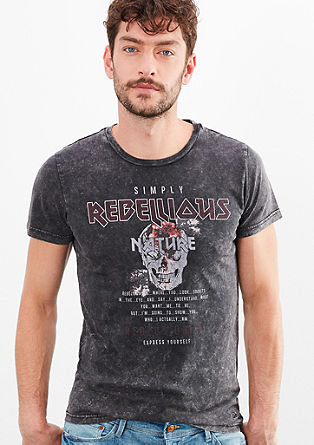 Rebell T-Shirt mit Skull