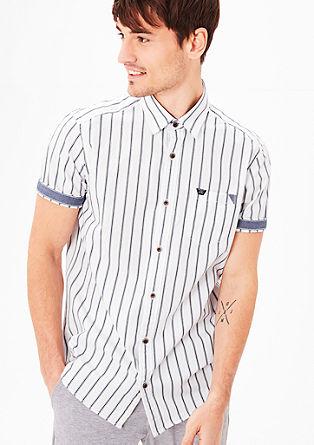 Regular: gestreept overhemd met korte mouwen