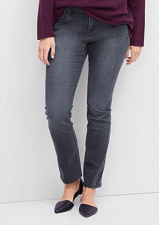 Regular: grijze jeans met een recht model