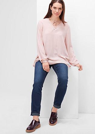 Regular: raztegljiv, pobarvan jeans