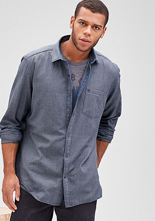 Regular: srajca z vzorcem s teksturo