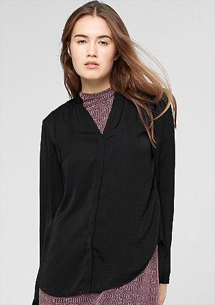 Satijnen blouse met een V-hals