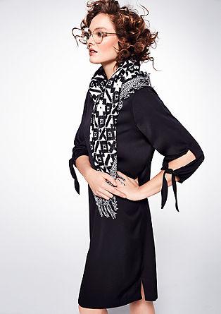 Satijnen jurk met geknoopte mouwen