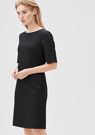 Schmales Kleid mit Nadelstreifen