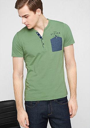 Schmales T-Shirt mit Brusttasche