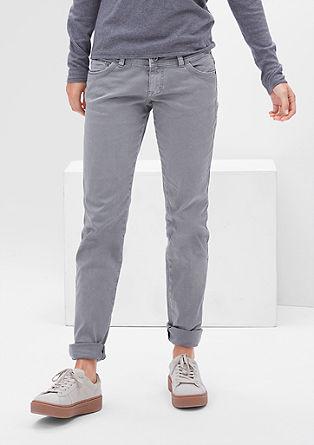 Shape Slim: barvené strečové džíny