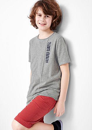 Shirt mit asymmetrischem Saum