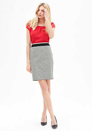 Short skirt with a check pattern from s.Oliver