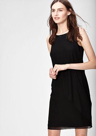 Šifónové šaty s vrstveným vzhledem