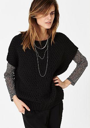 Širok pulover s kratkimi rokavi in dodano alpako
