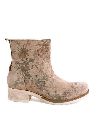 Škornji iz grobega usnja