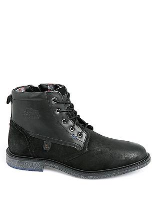 Škornji iz kombinacija gladkega in grobega usnja