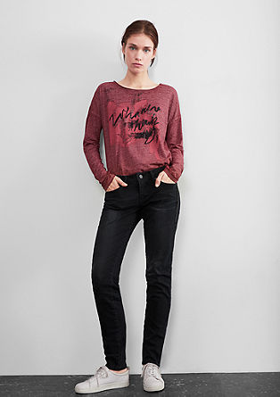 Slim: barvane jeans hlače z detajlom verižice