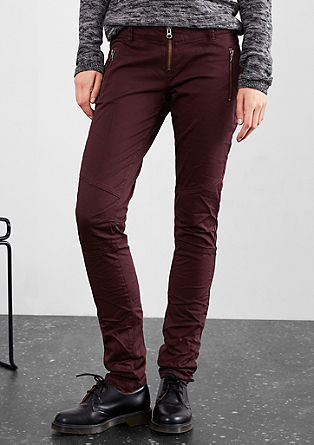 Slim: Colored Denim mit Zipp-Details