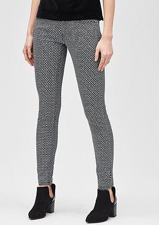 Slim: raztegljive hlače iz satena