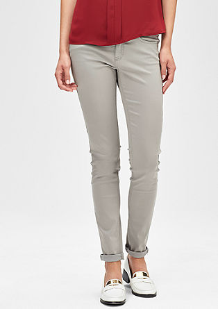 Slim: raztegljive jeans hlače iz satena