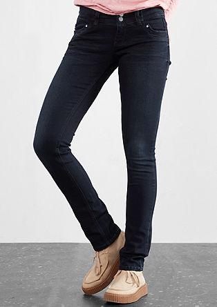 Slim: raztegljive temne kavbojke