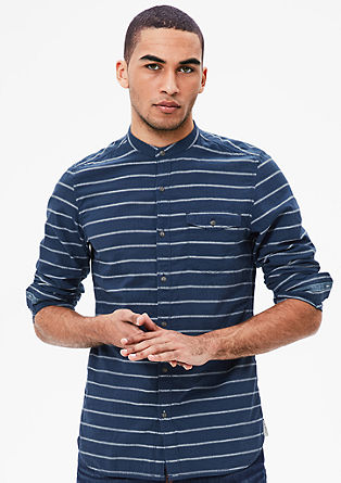 Slim: Streifenhemd mit Stehkragen