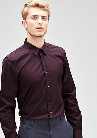 Slim: Stretch-Hemd mit Kontrastknöpfen