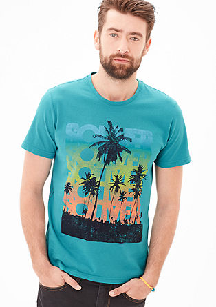 Slim: T-Shirt mit Surfer-Print