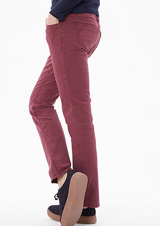 Smart straight: coloured jeans