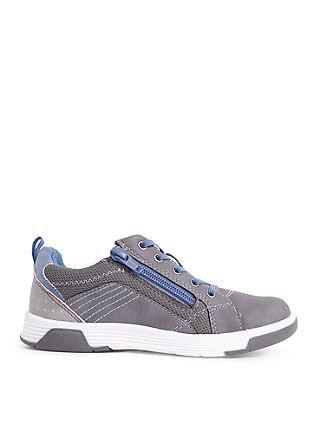 Sneakers met felgekleurde details