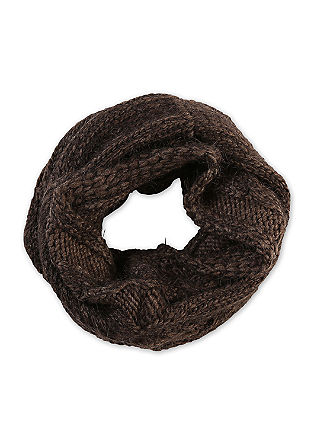 Snood with special fluffy yarn from s.Oliver