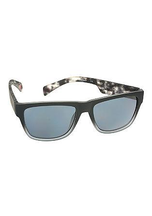 Sončna očala z retro–šarmom