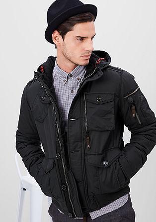 Sportieve winterjas met een capuchon