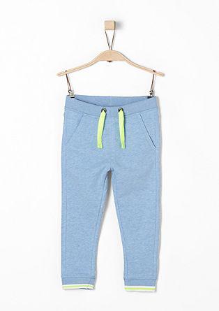 Športna hlače z neonskimi detajli