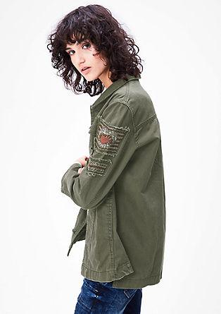 Športna jakna z našitki z okrasnimi biseri